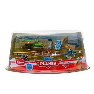 Disney Planes Figure Play Set - Propwash Junction with Dusty - Skipper - Leadbottom - Chug - Dottie - Sparky